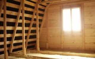 Утепляем потолок в деревянном доме с помощью опилок и пенопласта