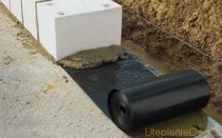 Нужны ли гидроизоляционные материалы кирпичному фундаменту