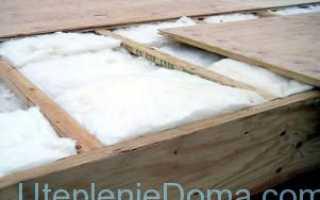 Утепление деревянного потолка различными материалами