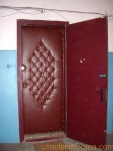 Как правильно утеплить железную дверь