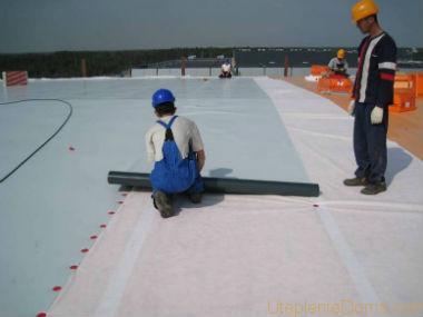 Как крепить ПВХ гидроизоляцию на крышу
