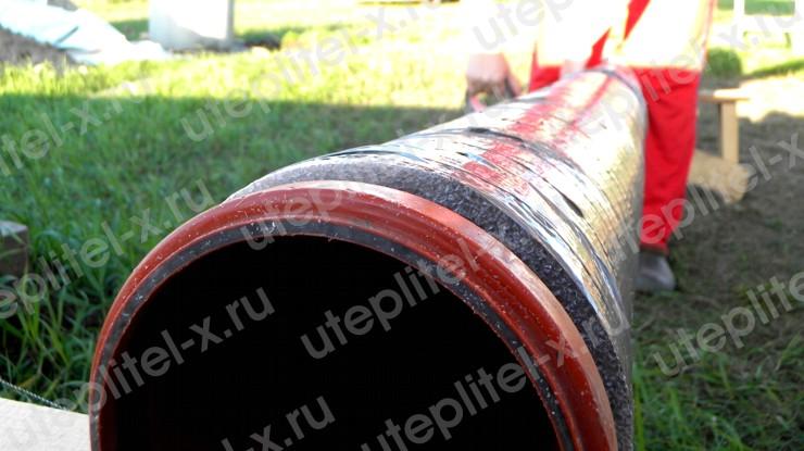 Укладка труб канализации в земле