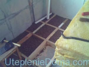 Утепление потолка керамзитом в деревянном доме