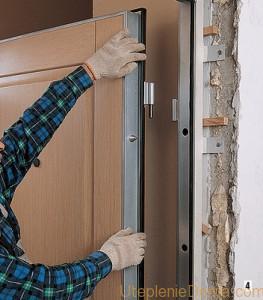 Утеплить железную дверь своими руками