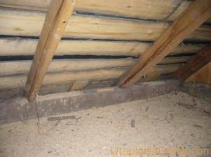 Утепляем потолок в деревянном доме опилками